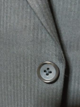 スーツの一部